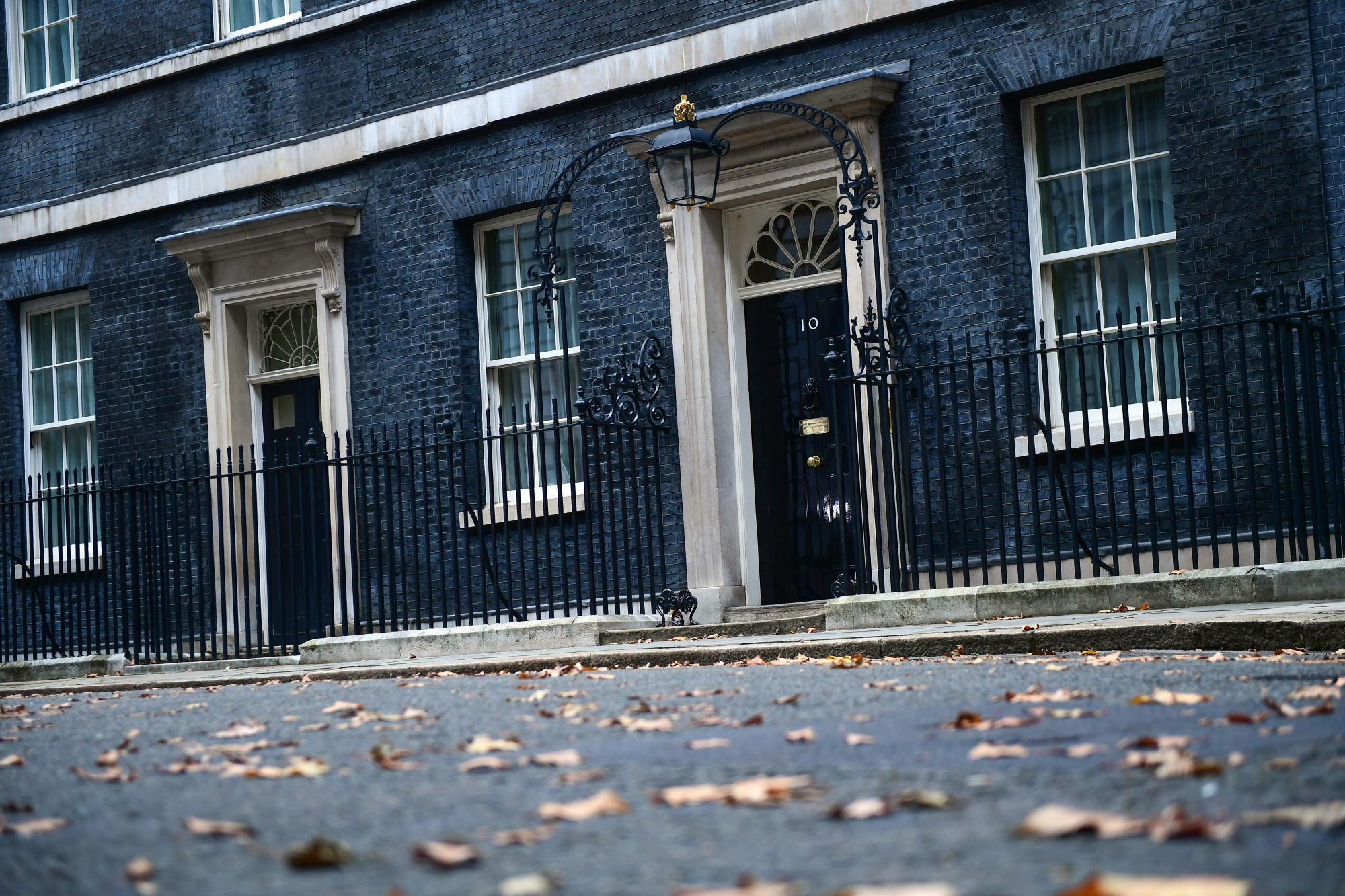 bloomberg.com - James Ludden - Seven Conservatives Plot to Oust Theresa May: Sunday Times