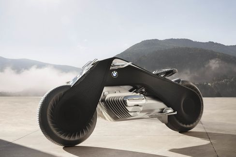 "According to BMW, the ""flexframe"" extends from the front to the rear wheel of the BMW Motorrad Vision Next 100. It allows the bike to be steered without the various joints found on today's motorcycles. Turning the handlebar adjusts the entire frame, changing the direction of the bike."