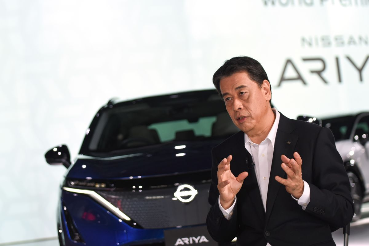 Nissan CEO Offers Reassurance to Macron Over Renault Alliance