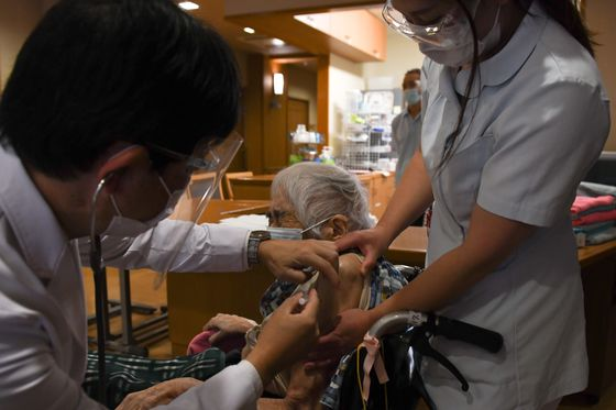 Glacial Pace of Vaccinations Threatens Japan's Olympic Moment
