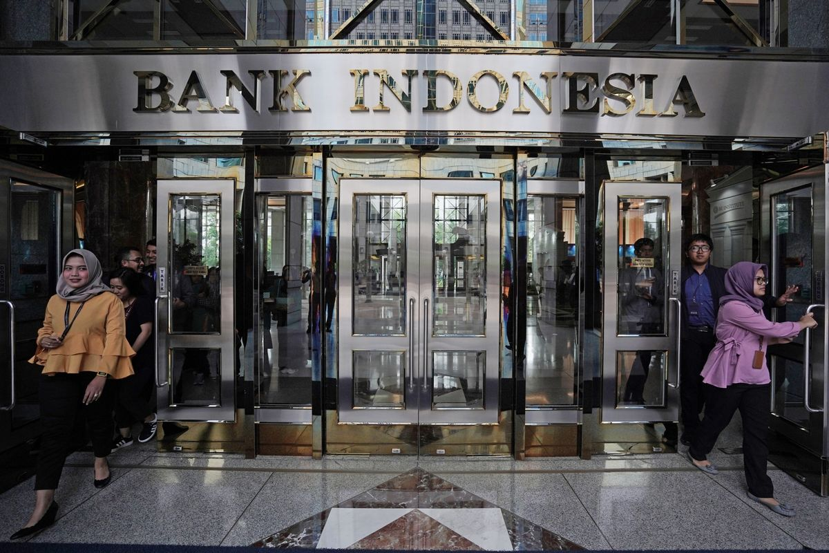 Indonesia Surprises With Second Rate Cut to Support Growth