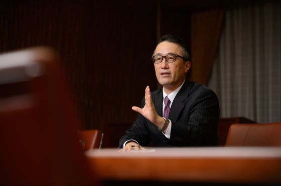 Japan's Biggest Bank CEO Joins Exodus From Saudi Forum