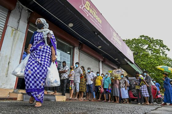 Sri Lanka Is Running Out of Money for Imports as Delta Rages
