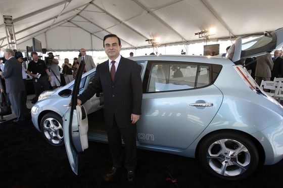 Ghosn in Jail Risks His Electric-Car Vision