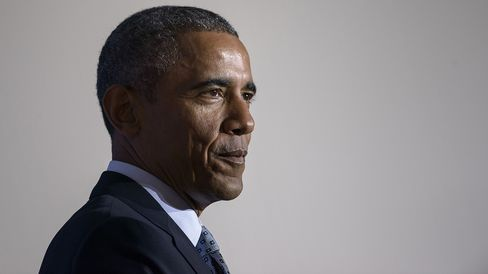 US President Barack Obama pauses while speaking at the Federal Trade Commission January 12, 2015 in Washington, DC.