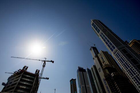 Dubai Stocks Drop Led by Real Estate