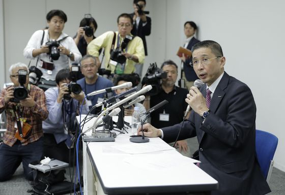Nissan CEO Turns on Mentor Ghosn in 'Despair'Over Misconduct