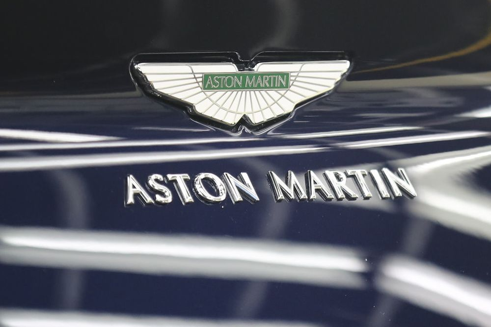 Aston Martin Pushes The Pedal On Its Ipo Price Bloomberg