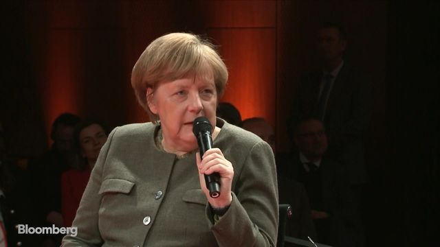 Merkel Vows to Fight to the Very End for an Orderly Brexit