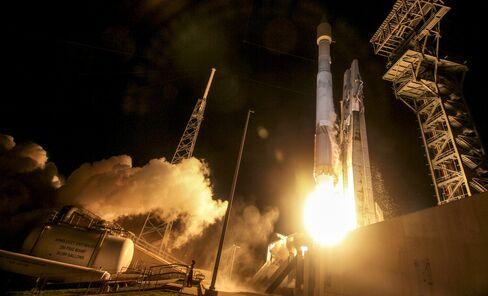 Atlas V rocket lifts off on March 22, 2016.