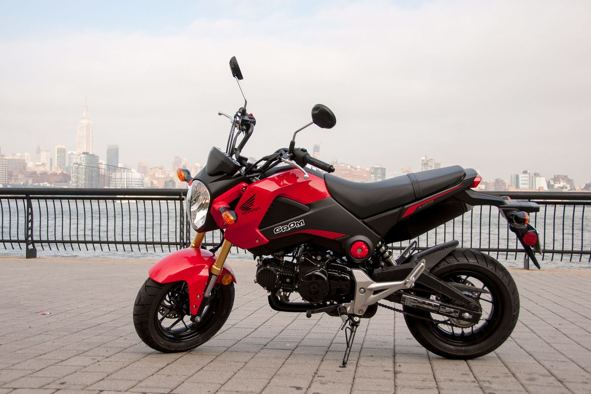 Honda Grom Review Big Thrills, Tiny Motorcycle - Bloomberg-4814