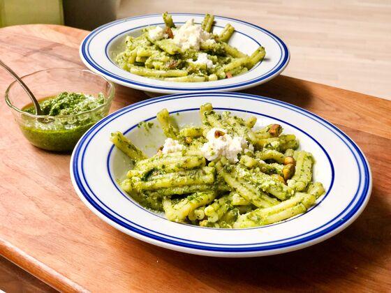 Refresh Your Next Batch of Pesto byAdding Pistachiosand Lime