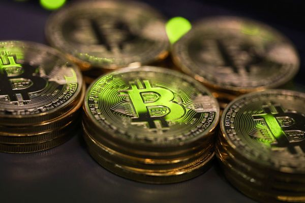 Bitcoins As CryptocurrencyHalts Decline After Drubbing on China's Offerings Ban