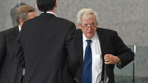 Former Republican Speaker of the House Dennis Hastert arrives for his arraignment at the Dirksen Federal Courthouse on June 9, 2015 in Chicago, Illinois.