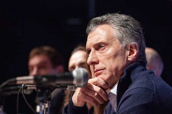Argentina's Macri Says Capital Controls are an Emergency Measure