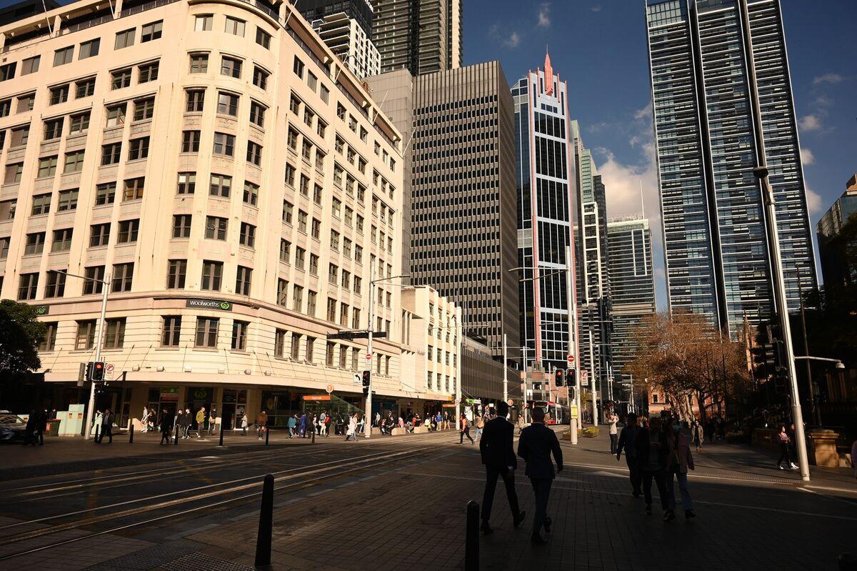 Dealmakers Say Australian M&A Rebounding From Virus Slump