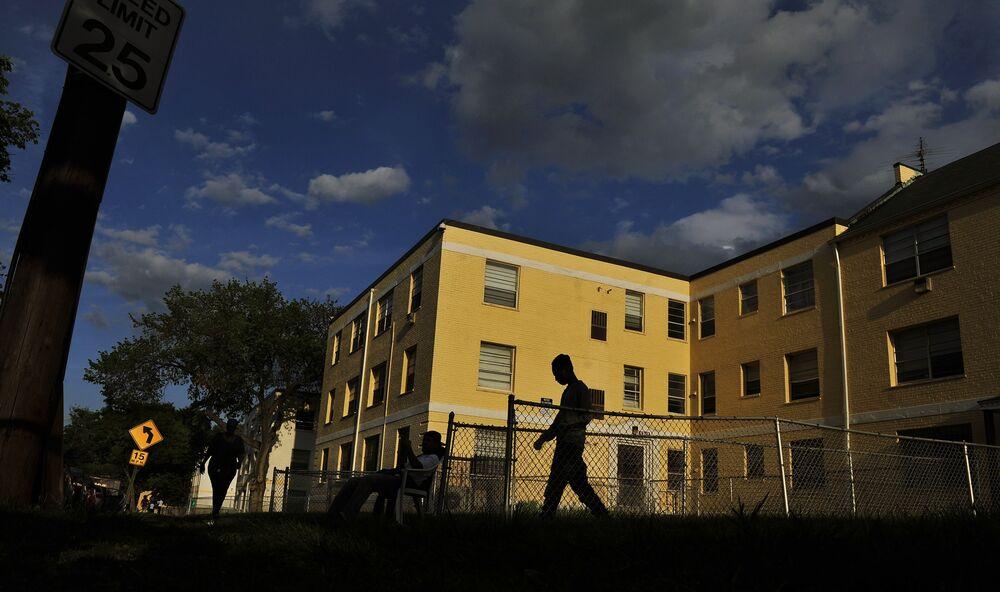 Landlord Bonuses Aim To Reform Section 8 Housing Bloomberg