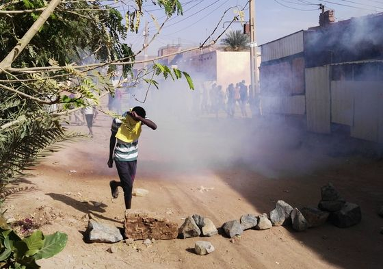 Protesters Face Whippings and Tear Gas in Sudanese Crackdown