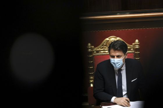 Conte Push for Majority Hinges on Threat of Early Italy Vote