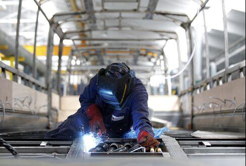 U.K. Industrial Output Jumps Most in 25 Years on Jubilee Rebound