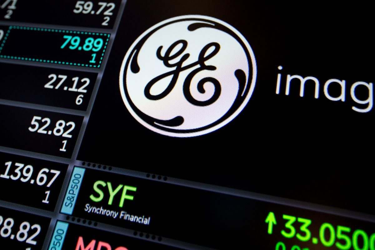 GE's Losing Streak Reaches 12 Months With $135 Billion Wiped Out thumbnail