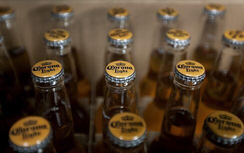Mexican Peso Rallies on $20.1 Billion Corona Brewer Purchase