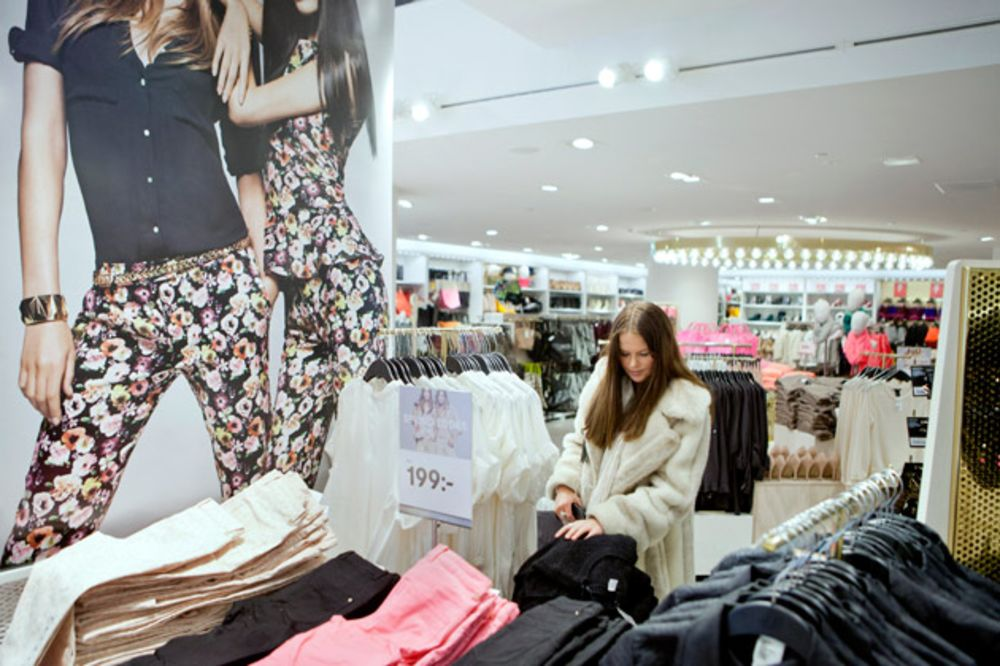 H&M Goes Public With List of Suppliers - Bloomberg