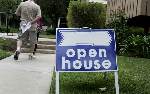 Repeat Buyers Drive U.S. Home Sales Needing to Broaden