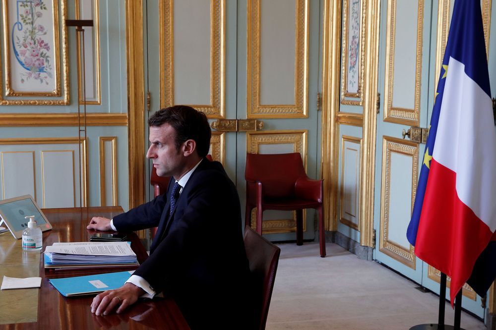 France Political News Emmanuel Macron S Poll Rating Rises Bloomberg