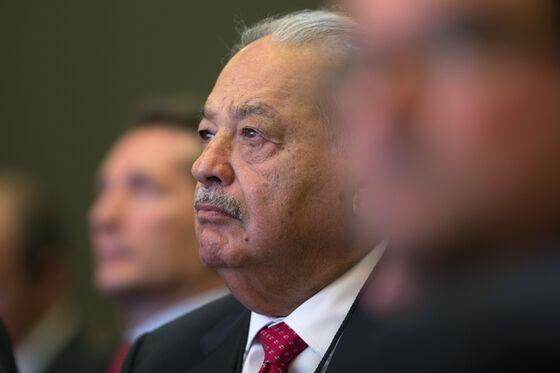 Carlos Slim, Bondholders Among Biggest Mexico Airport Losers