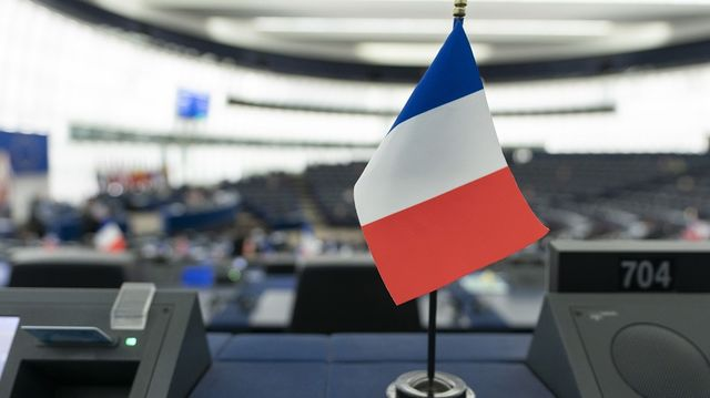 France Floats Veto Threat Over Brexit Deal