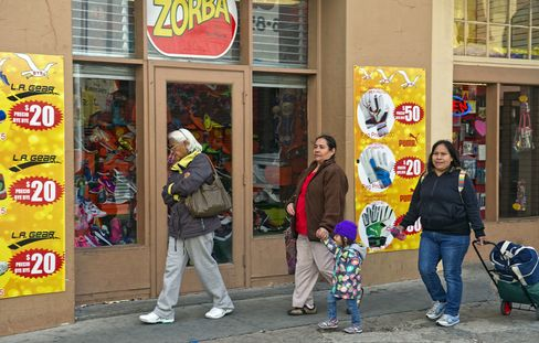 Shoppers in Laredo