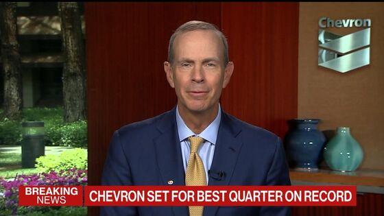 Chevron CEO Sees Path to Net-Zero, Warns on Tech, Policy Hurdles