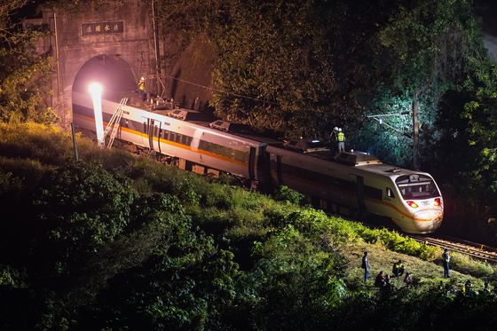 Taiwan Steps Up Probe Into Deadly High-Speed Train Accident