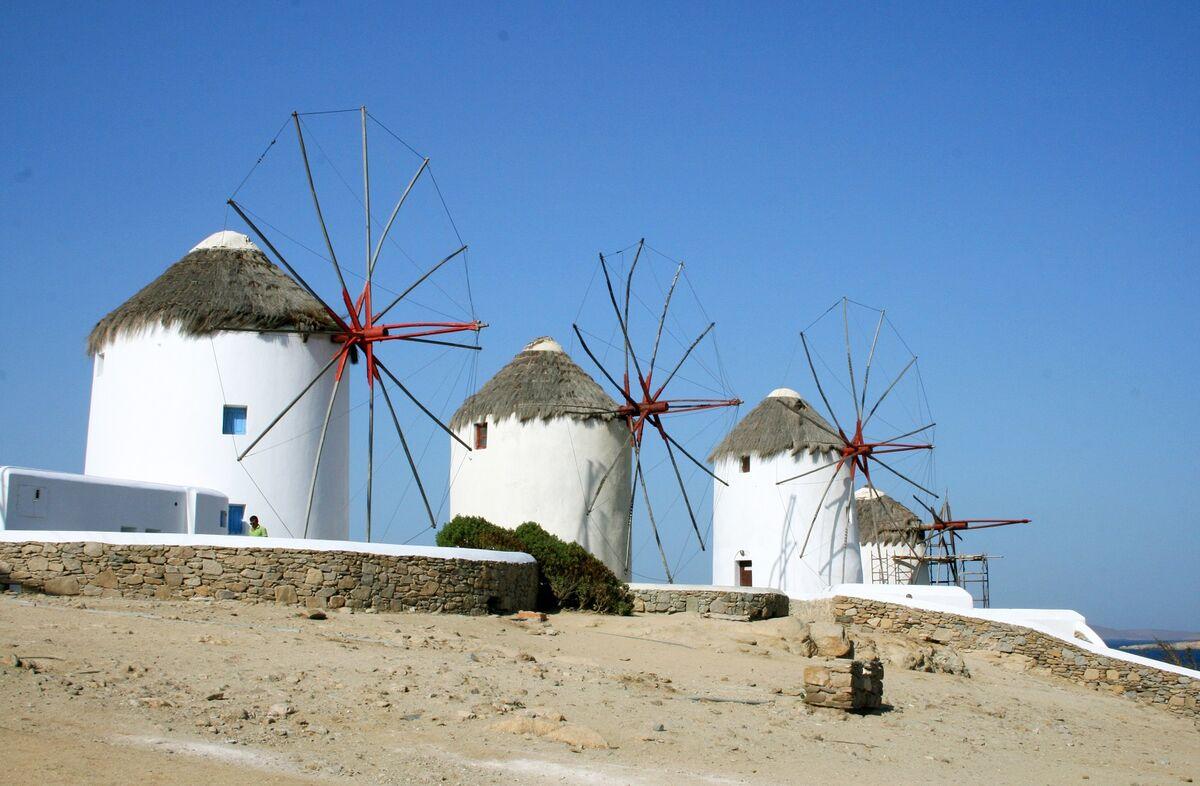 Crisis-Ridden Greece Still Big Draw For Luxury Tourists