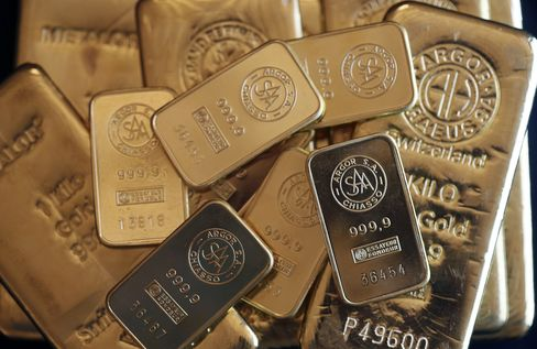 Gold Assets Head for Worst Monthly Drop Since '11 on Rebound