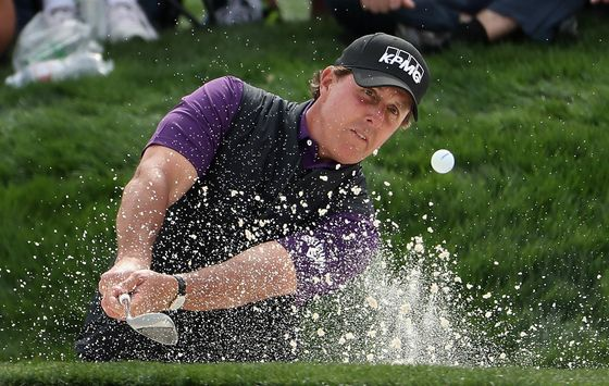 Golfer Phil Mickelson Says Family Used Bribery-Scheme Consultant
