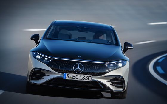 Mercedes Enters New Era With Flagship Sedan Going Electric