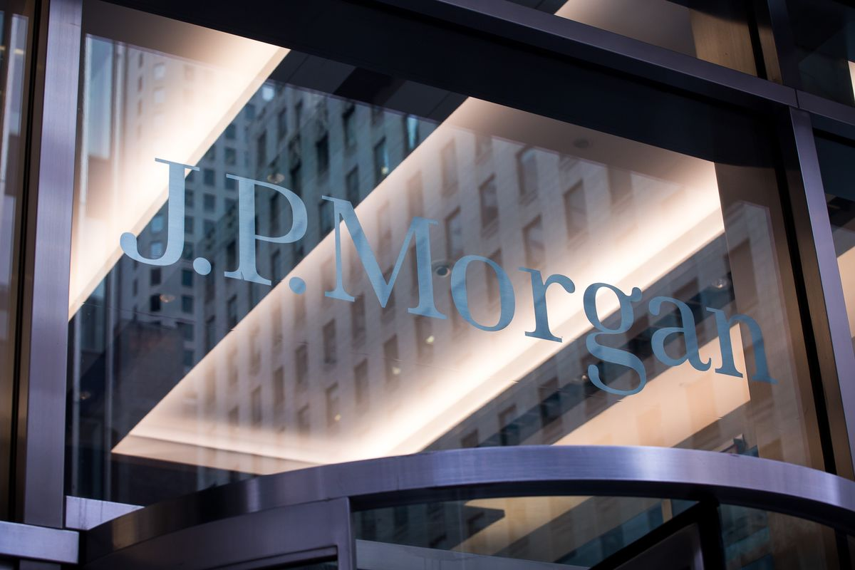 JPMorgan Sends Some Traders Home After Worker Gets Covid-19  image