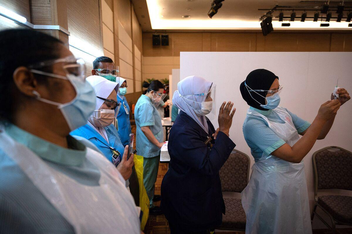 Malaysia Conditionally Allows AstraZeneca Vaccine thumbnail