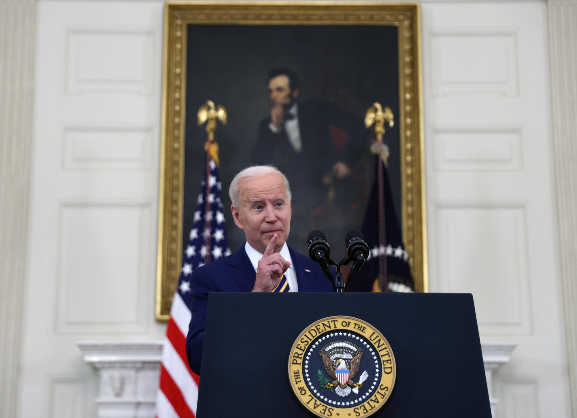Präsident Biden äußert sich zur Reaktion und Impfung von Covid-19