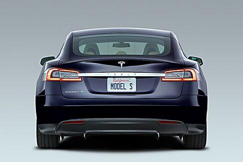 Tesla Model S Tops GM Volt in North American Plug-In Sales Race