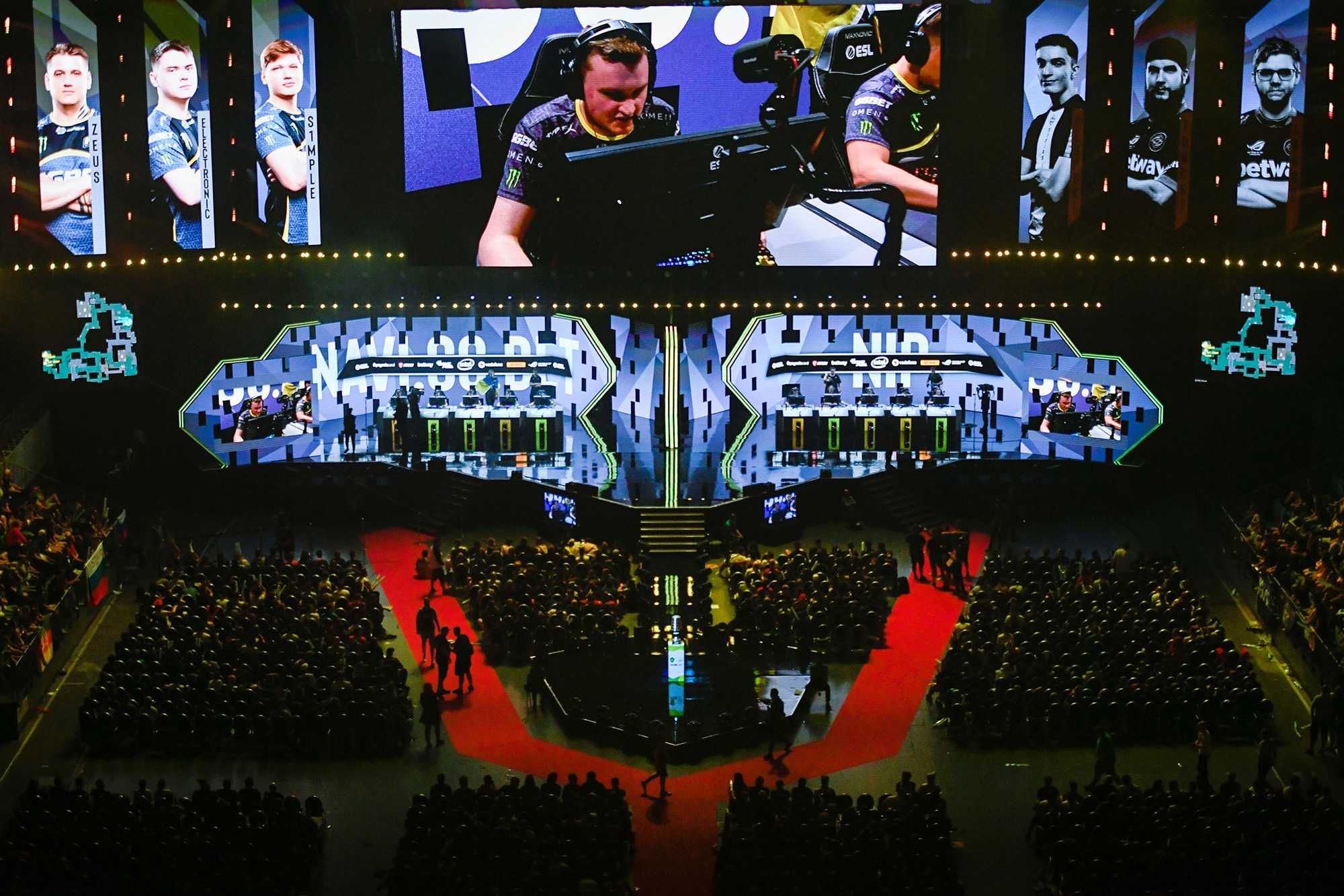 Tim bersaing selama turnamen video game ESL ONE Counter-Strike di Cologne, Jerman pada 2019.