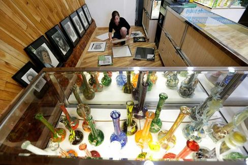 Washington's High Hopes for Legal Pot Sales Start Small