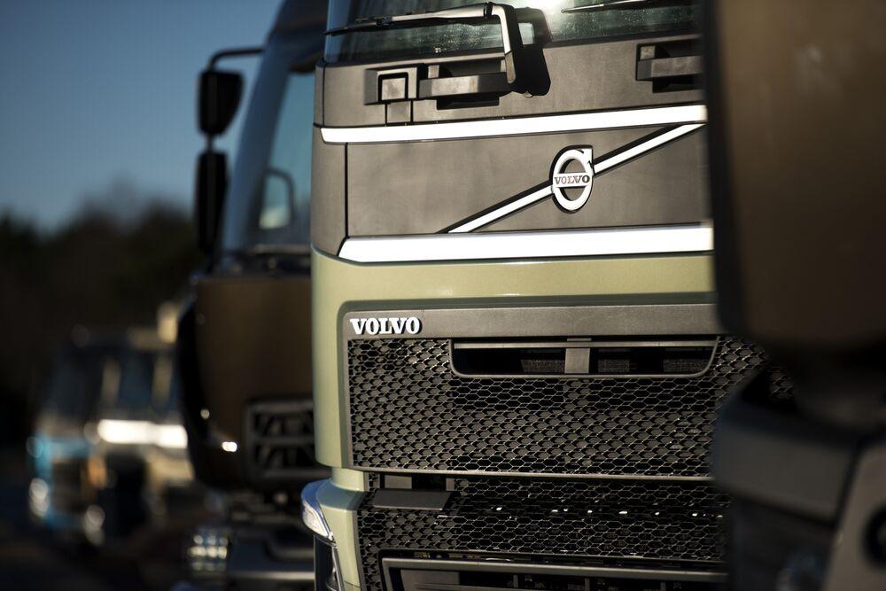 U.S. Clean-Air Regulators Talk With Volvo Over Truck Emissions