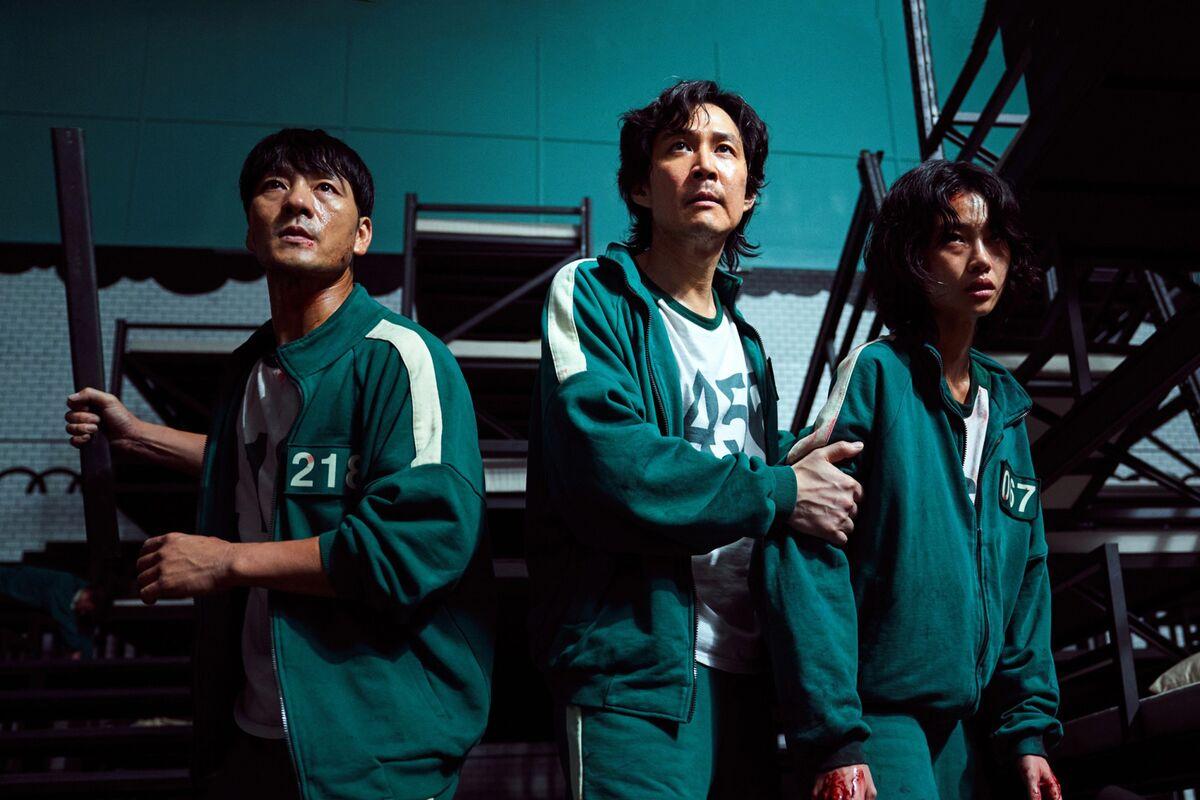 'Squid Game' Proves Netflix's Biggest Advantage Is Foreign Language TV thumbnail