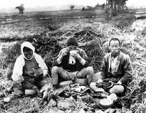 Japanese farm laborers, circa 1930, during the time of the Showa Depression.