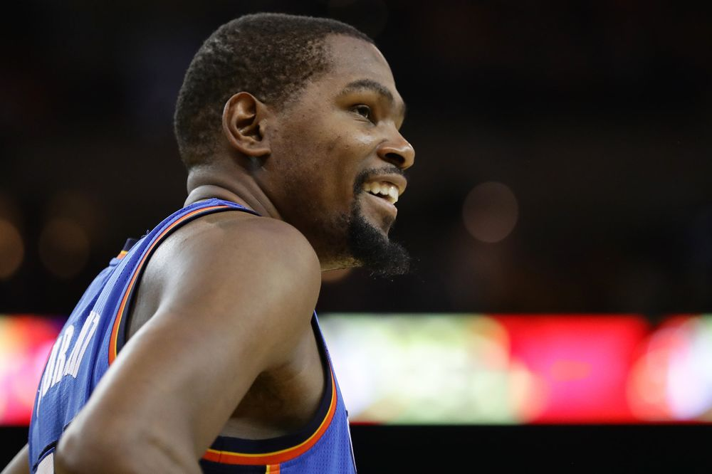 Kevin Durant Puts His Money and Celebrity Behind Postmates - Bloomberg