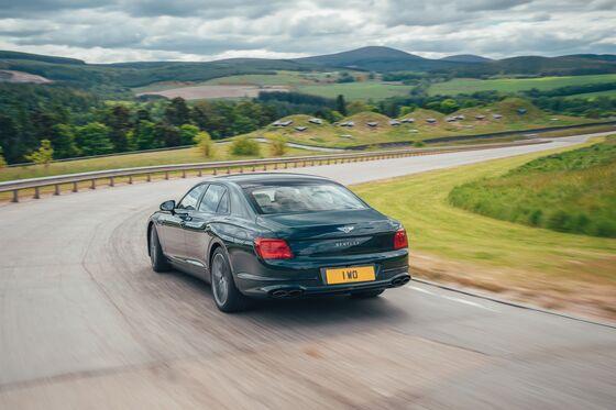 Bentley Goes ItsOwn Way With NewHybridasPorsche-Rimac Align