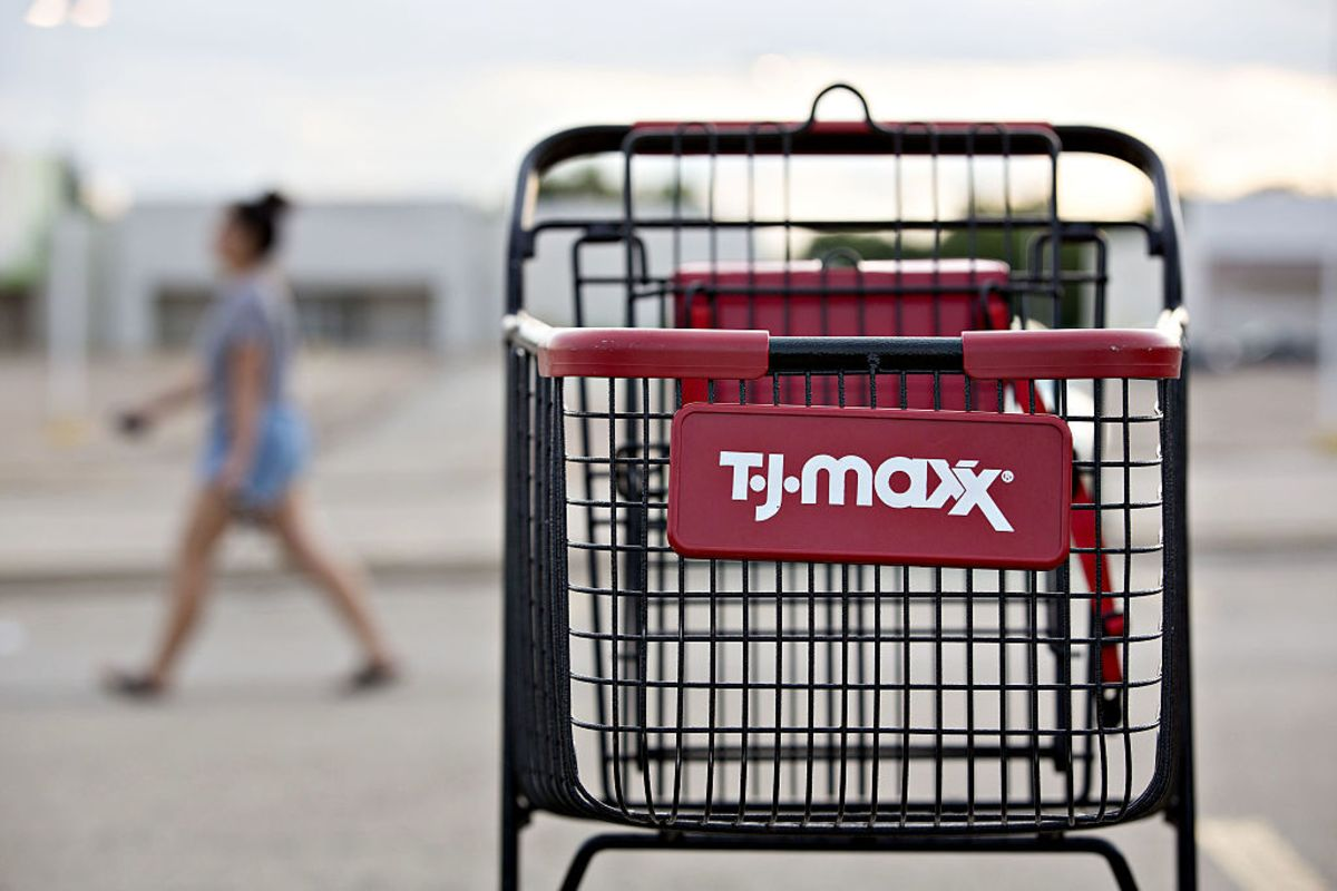 TJX Slips After Missing Estimates, Signaling More Retail Woes